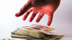 Romanian prosecutor held for taking bribe